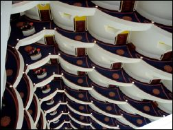 Burj Al-Arab : looking down the atrium